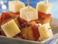 Bread Skewers with Cheese and Bell Pepper recipe