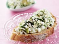 Bread with Avocado and Cottage Cheese recipe