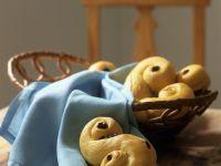 Brioches with Raisins
