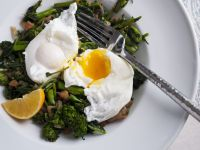 Broccoli with Poached Eggs recipe
