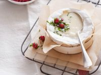 Broiled Camembert with Red Cabbage recipe
