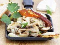 Broiled Ham, Mushrooms and Mozzarella recipe