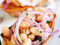 Bruschetta with Onions and Beans recipe