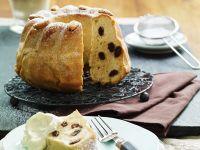 Bundt Cake with Raisins and Almonds recipe