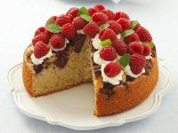 Cake with Chocolate Shortbread, Raspberries and Cream recipe