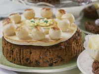 Cake with Dried Apricots, Raisins and Marzipan recipe