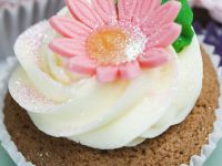 Cakes with Buttercream and Flowers recipe
