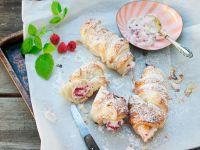 Cannoli with Raspberry Cream recipe