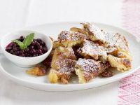 Caramelized Pancakes with Raisins recipe