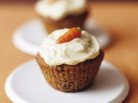 Grated Carrot Muffins with Topping recipe