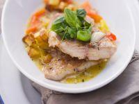 Catfish with Bell Pepper Sauce and Potatoes recipe