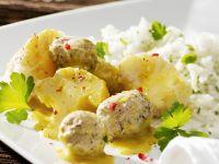 Cauliflower Curry with Meatballs recipe