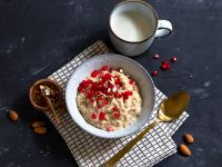 Chai Oatmeal with Pomegranate Seeds recipe