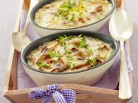 Chanterelle and Ham Gratin with Béchamel Sauce recipe
