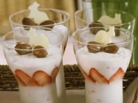 Chantilly Cream with Sparkling Wine and Strawberries recipe