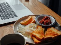 How To Eat Healthy While Working From Home