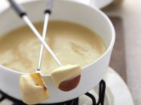 Cheese Fondue with Bread and Apple recipe
