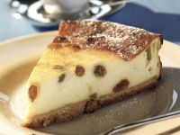 Cheesecake with Raisins recipe