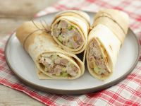 Chicken and Vegetable Salad Wraps recipe