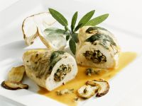 Chicken Breast with Mushrooms and Sage recipe