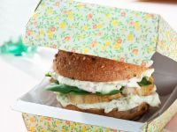 Chicken Burger with Apple-yogurt Sauce and Spinach recipe