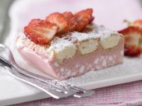 Chilled Strawberry Cake recipe