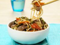 Chinese Egg Noodles with Beef recipe