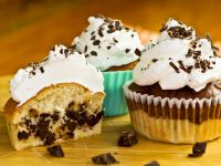 Choc Chip Cakes with Topping recipe