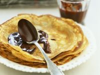 Choc Sauce Crepes recipe