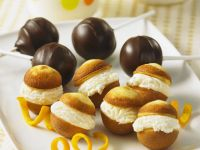 Chocolate and Cream Cake Pops recipe