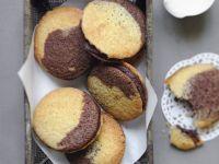 Chocolate and Vanilla Sponge Sandwiches recipe