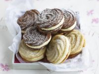 Chocolate and Vanilla Viennese Whirls recipe