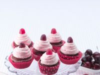 Chocolate Cupcakes with Raspberry Cream Cheese Frosting recipe