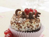 Chocolate Cupcakes with White Chocolate Cream recipe