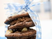 Chocolate Macadamia Nut Cookies with Chocolate Mousse Filling recipe