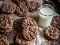 Chocolate Nut Cookies recipe