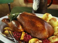 Christmas Goose with Red Cabbage and Dumplings recipe