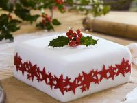 Christmas Spice Cake with Fondant recipe