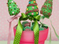 Christmas Tree Cake Pops recipe