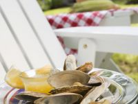 Clams Dressed in Lemon and Butter
