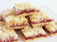 Coconut and Raspberry Traybake recipe
