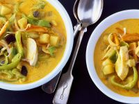 Coconut Curry Soup with Chicken and Vegetables recipe