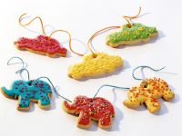 Colorful Christmas Tree Ornaments recipe