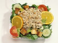 Colorful Tuna Salad with Croutons recipe