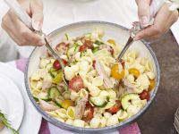 Conchiglie Salad with Tomatoes and Flaked Fish recipe