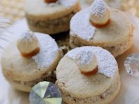 Cookies with Hazelnut Filling recipe
