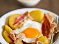 Country Breakfast with Fried Eggs, Bacon and Potatoes recipe