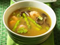 Crayfish and Asparagus Soup with Wood Ear Mushrooms recipe