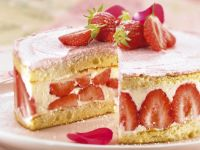 Cream and Berry Cake recipe