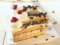 Cream Cake with Berries recipe
